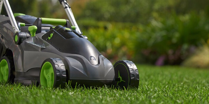 self propelled battery lawn mowers