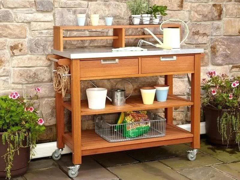 Tips for buying a potting bench