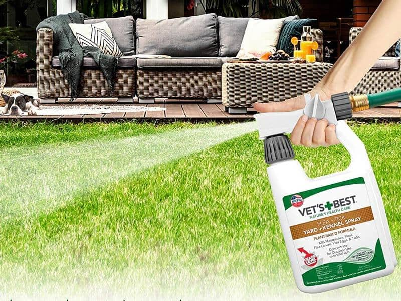 Vet's Best Flea and Tick Yard and Kennel Spray Yard Treatment Spray Kills Mosquitoes, Fleas, and Ticks with Certified Natural Oils