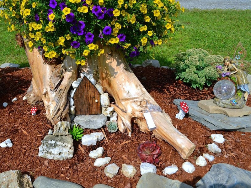 Decorate a Tree Stump
